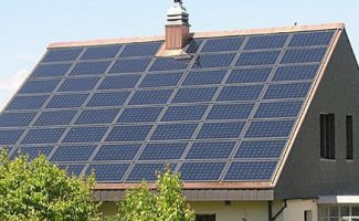 un tejado solar la primera sorpresa de tesla tras comprar solar city
