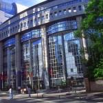 El Parlamento Europeo insiste en fijar un objetivo renovable vinculante del 30% para 2030