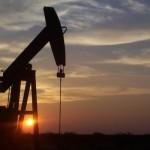 Podría bajar aún más el precio del petróleo en 2015 y pese a ello, la demanda mundial no despegará