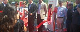 Tesla inaugura en Girona su primer supercargador de España para los que tengan su coche eléctrico