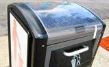 Barcelona instala contenedores inteligentes. Compactan y almacenan  cinco veces más de basura gracias a la energía solar
