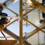 La rehabilitación de edificios como vía de salida a las pequeñas instalaciones renovables