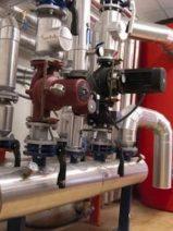 Irlanda se interesa en un municipio de Granada para conocer su red de calefacción centralizada de biomasa