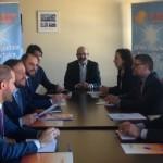 PSOE y C's se reúnen con la industria fotovoltaica para prometer ayudas a la financiación