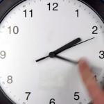 Adelantar la hora no ahorra energía si no va acompañado de eficiencia