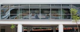 Edificios que ahorran energía ajustando tres plantas al espacio de dos