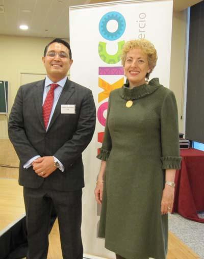 Roberta Lajous, Embajadora de México y Guillermo Zúñiga, Comisionado de la CRE