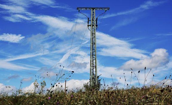 OS denuncia que altos precios, beneficios y emisiones definen al sistema eléctrico español