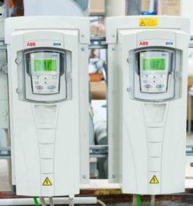 variadores y PLC