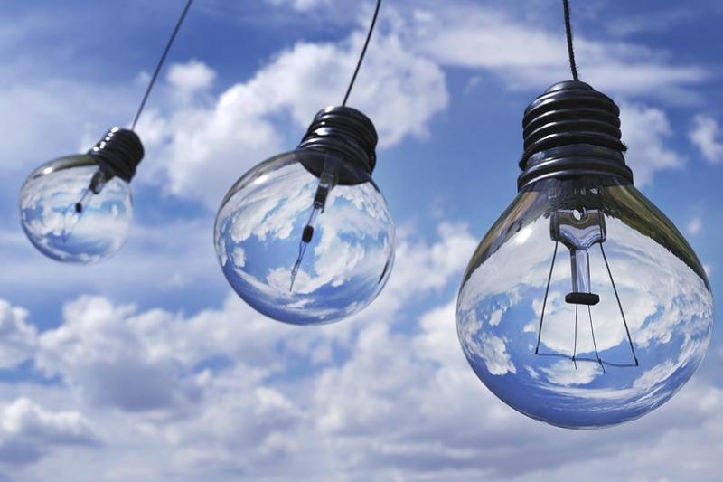 Electricidad por las nubes: 2018 registra el precio más caro en 10 ...