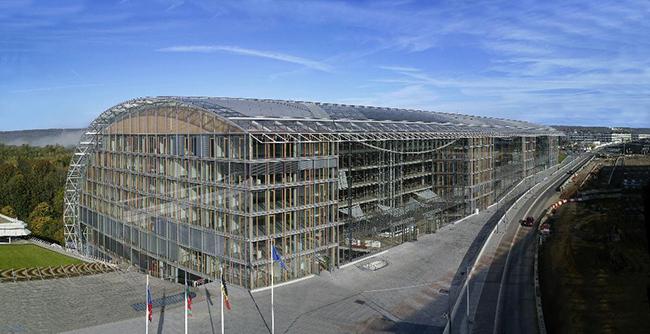 El BEI confirma su intención de detener la financiación de los combustibles fósiles. Foto: BEI. Sede del Banco Europeo de Inversiones.