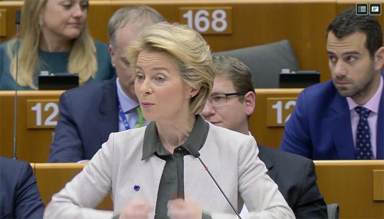 Ursula von der Leyen, presidenta de la Comisión Europea, durante su presentación ante el Parlamento del Acuerdo Verde Europeo.
