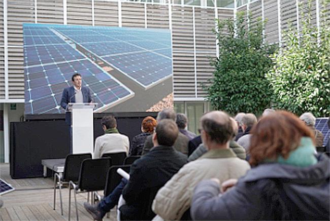El Alcalde de Cádiz ha dicho que la línea de negocio beneficiará al clima, a los usuarios y ayudará al empleo y a la actividad económica.