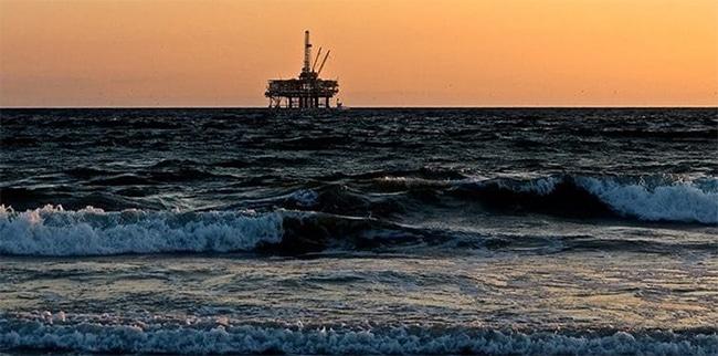 El coronavirus ha producido una de las mayores caídas del precio del petróleo de los últimos 30 años.