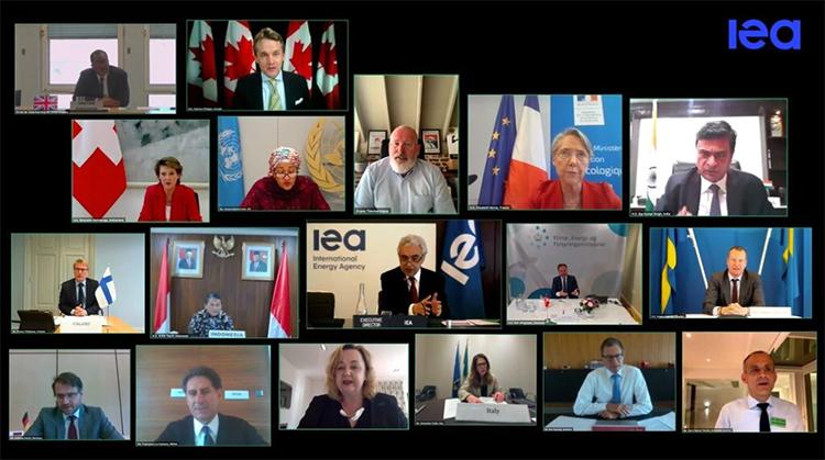 Mesa redonda virtual del día 24 de abril. Foto: IEA.