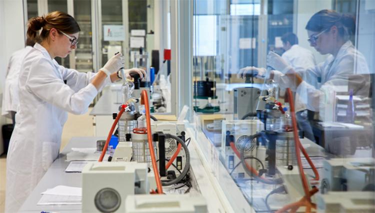 Los tres proyectos de CIC energiGUNE desarrollan tecnologías e investigan nuevos materiales para baterías de almacenamiento.