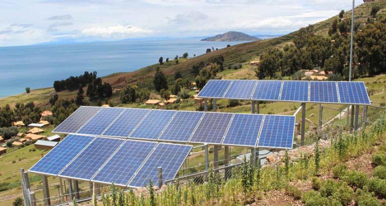 Los recursos eólicos, solares y geotérmicos de Perú son excepcionales, según los informes.