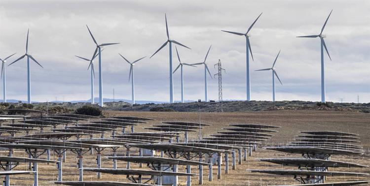 Oposición del sector eléctrico al RD que regula las subastas de renovables. Foto: Cinco Días.