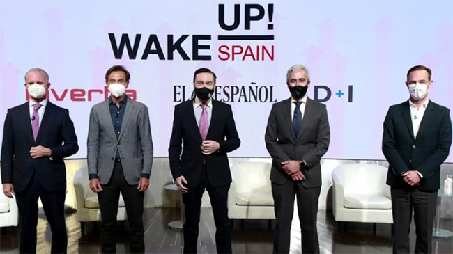 Leopoldo Satrústegui (Hyundai), Manuel Terroba (BMW), Pedro J. Ramírez (El Español), José Antonio León Capitán (Stellantis) y Sébastien Guigues (Renault).
