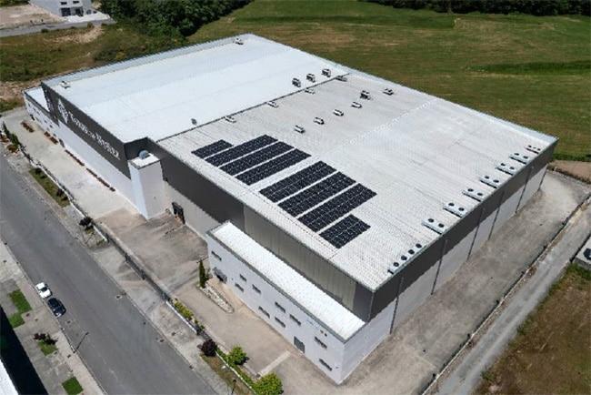 Instalación fotovoltaica en la planta de Torre de Núñez en O Corgo, Lugo